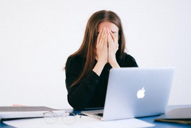 Mengatasi Stres Kala WFH  (318537)