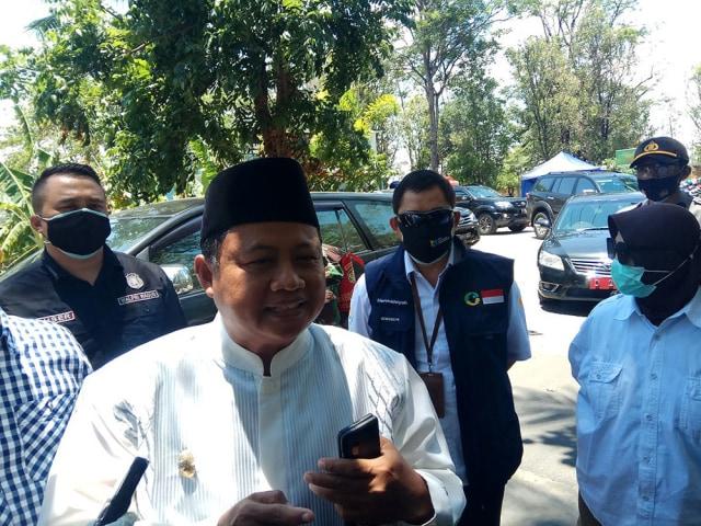 Pemprov Jabar Kirim 5.000 Alat Tes Swab ke Pesantren Husnul Khotimah Kuningan (262346)