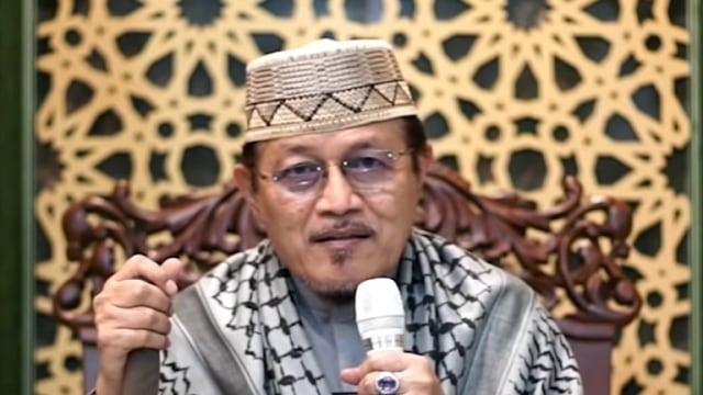 KH Ahmad Zahro Bicara soal PKI: Siapa yang Tersinggung, Wajib Dipertanyakan (79272)