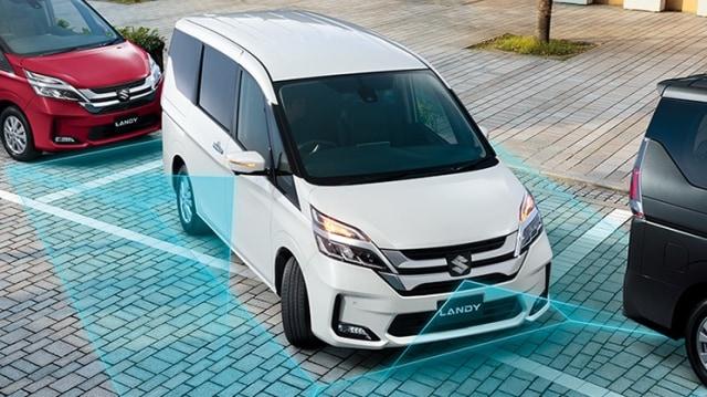 Belum Banyak yang Tahu, Suzuki Jual MPV Kembaran Nissan Serena (82509)