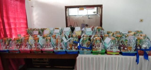 70 Nakes yang Terpapar COVID-19 Dapat Hadiah Bingkisan dari Wali Kota Sorong  (38128)