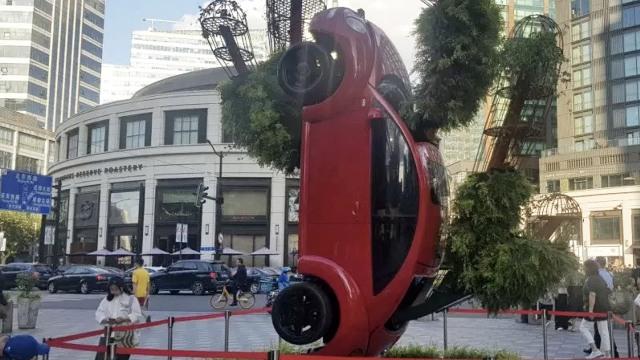 Dipajang di Shanghai, Karya Milik Seniman asal Indonesia Jadi Pusat Perhatian (1)