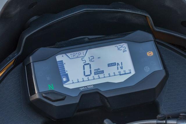 Komparasi Spesifikasi dan Fitur KTM 390 Adventure vs BMW G 310 GS, Unggul Mana? (170168)