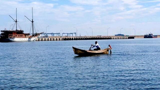 Viral Anak Nelayan di Sulsel Naik Perahu untuk Ikuti Seleksi TNI AL  (505819)