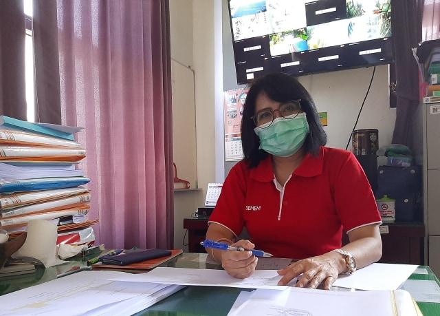 Kesabaran Cholik, Nakes yang Dilempar Kotoran oleh Istri Pasien COVID-19 (68713)