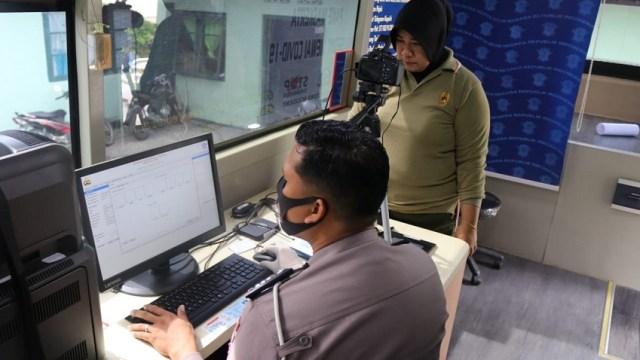 Jelang HUT ke-75 TNI, Polisi Beri Layanan Khusus Perpanjangan SIM ke TNI (214983)