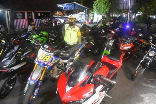 227 Motor Knalpot Racing Terjaring Operasi Lalu Lintas di Solo (263414)