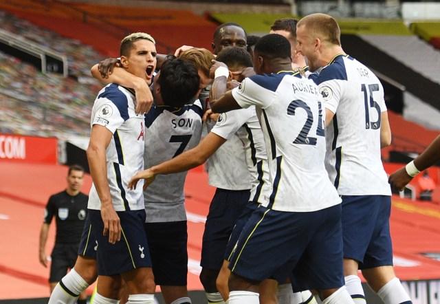 Klasemen Liga Inggris: Spurs Teratas, Duo Manchester di Papan Tengah (118592)