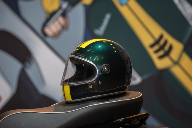 Edisi Terbatas, Helm Retro Race Vespa Racing Sixties Dijual Mulai Rp 1,9 Juta (65762)