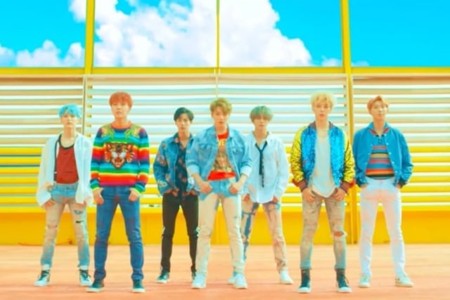 MV KPop Terbaru: BTS Cetak Rekor MV Boy Group Lewat Lagu Lawasnya (11412)