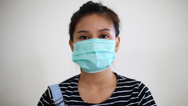 4 Tips Cegah Timbulnya Jerawat karena Memakai Masker (113213)