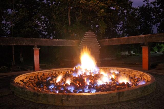 Api Abadi Mrapen Padam, Ini 5 Tempat Wisata Api Abadi Lain di Indonesia (152637)