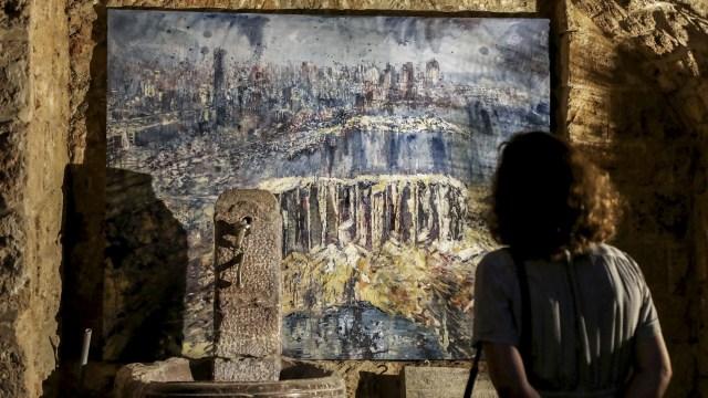 Foto: Seniman di Lebanon Gelar Pameran Seni untuk Bantu Warga Terdampak Ledakan (39478)