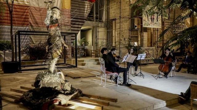 Foto: Seniman di Lebanon Gelar Pameran Seni untuk Bantu Warga Terdampak Ledakan (39479)