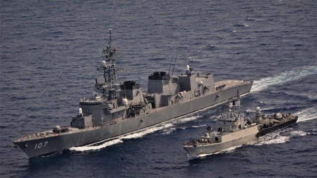 Aksi Kapal Perang TNI AL dan AL Jepang Latihan Bersama di Natuna Utara (4)