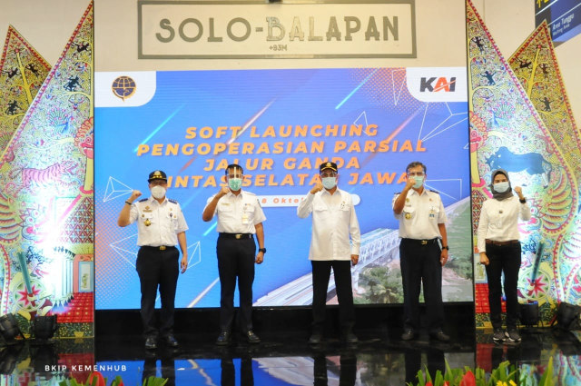Menteri Perhubungan, Budi Karya Sumadi Resmikan Jalur Ganda Lintas Selatan Jawa (410334)