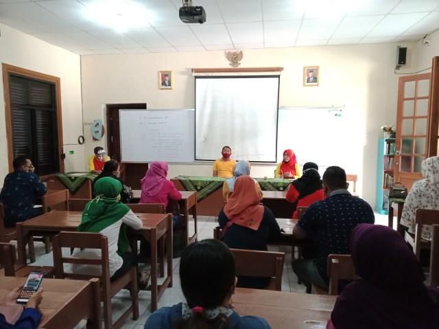 Guru dan Karyawan Harus Lakukan Rapid Test Sebelum Pembelajaran Tatap Muka (200761)