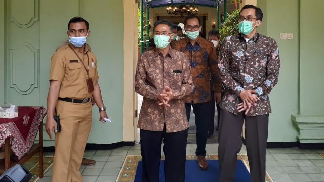 Ini Kondisi Dosen UGM Anggota TGPF Intan Jaya yang Ditembak KKB Papua (384669)