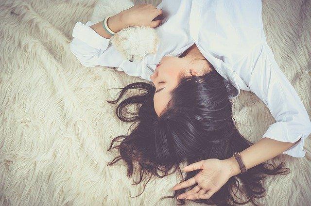 5 Manfaat Tidur Tanpa Bra yang Perlu Diketahui (216515)
