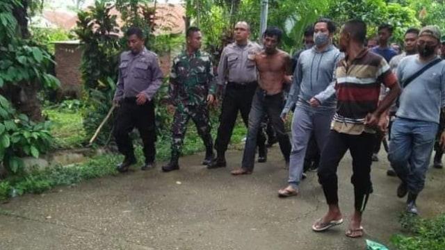 Ayah Kenang Sosok Anaknya di Aceh yang Dibunuh karena Cegah Ibunya Diperkosa (532150)