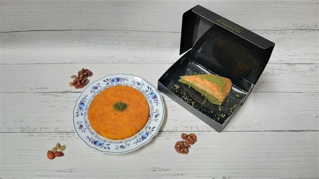 Mencoba Dessert Kunefe Berisi Lelehan Keju dan Baklava Legit ala Timur Tengah (35687)