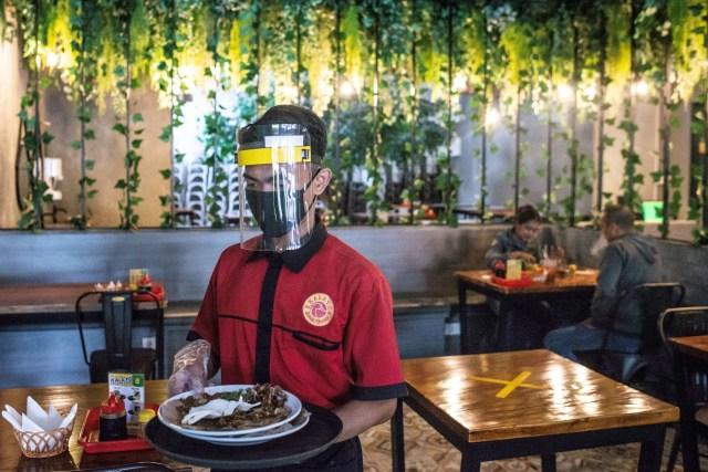 Live Corona Update: Dine In dan Nongkrong, Amankah? (133552)
