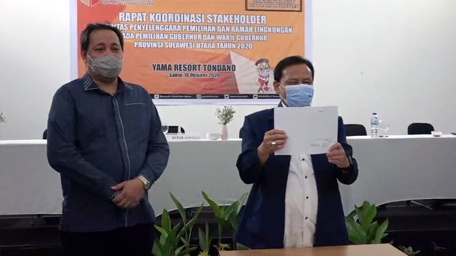 Buku Green Constitution Masa Depan Pemilu Indonesia Karya Ketua Bawaslu Sulut (261334)