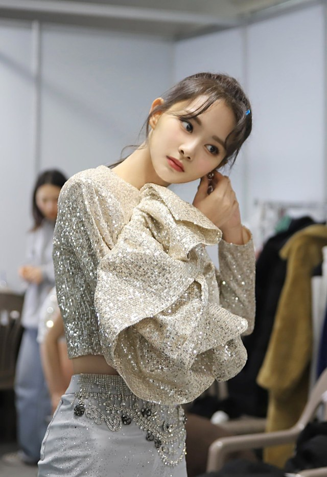 Miyeon dan 3 Visual Girl Group Lainnya yang Tak Kalah Memesona (107350)