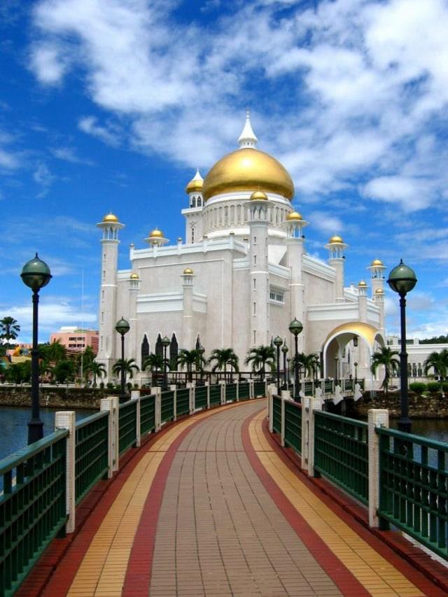 Megahnya Nurul Iman, Rumah Istana Seharga Rp21 Triliun Milik Kesultanan  Brunei - kumparan.com