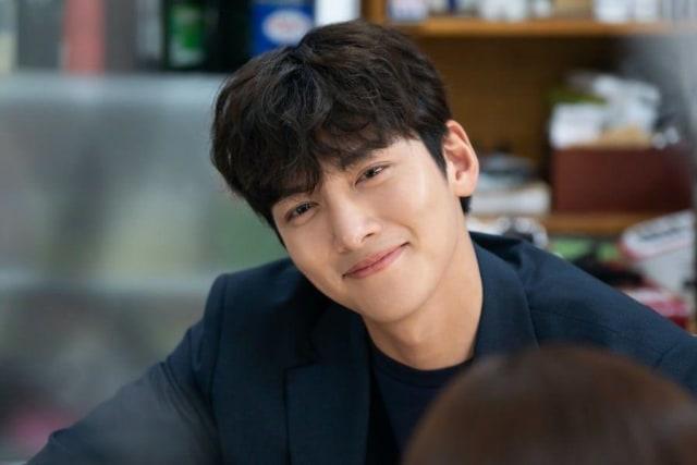 """Ji Chang-wook dan Perannya di Drama """"Backstreet Rookie"""" (383146)"""