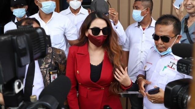 5 Berita Populer: Angela Lee Menikah; Suami Ungkap Nita Thalia Lari dari Rumah (5)