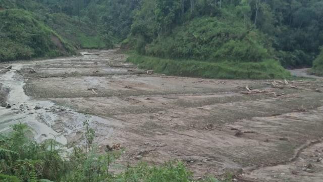 4 Hari Terisolasi karena Tanah Longsor, Warga 3 Dusun di Mamasa Krisis Pangan (321538)