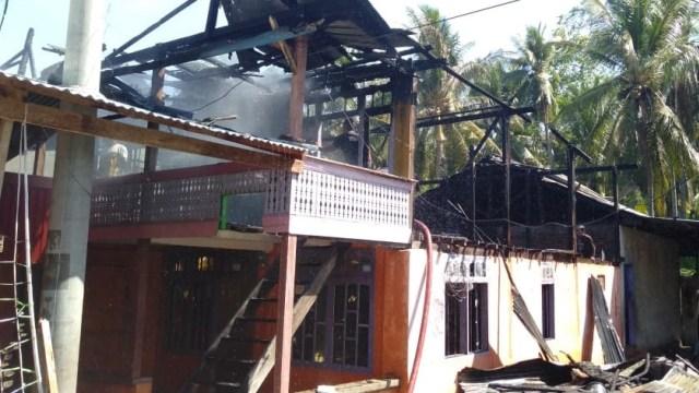 Korsleting Listrik, Satu Rumah di Majene, Sulbar, Hangus Terbakar (100767)