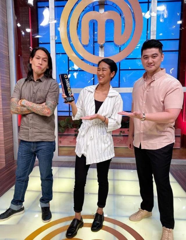 Komentar Lucu Chef Arnold saat Netizen Sebut Chef Juna dan Chef Renatta Mirip (601983)