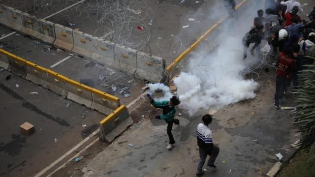 Kriminal Jabodetabek: Penembakan di Tangerang; Kru Ambulans Dibebaskan (73307)