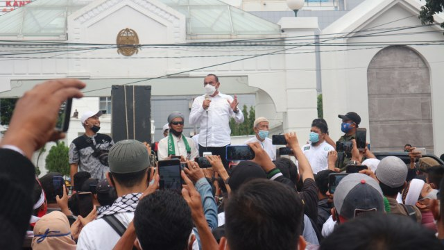 Tito Puji Edy Rahmayadi saat Hadapi Pendemo Omnibus Law: Bisa Tenangkan Massa (1)