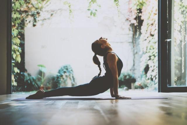 Tips Sehat #YogaDiRumahAja dari Aprishi Allita (243433)