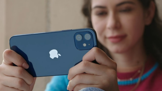 Berapa Pajak yang Harus Dibayar Saat Beli iPhone 12 dari Luar Negeri? (1)