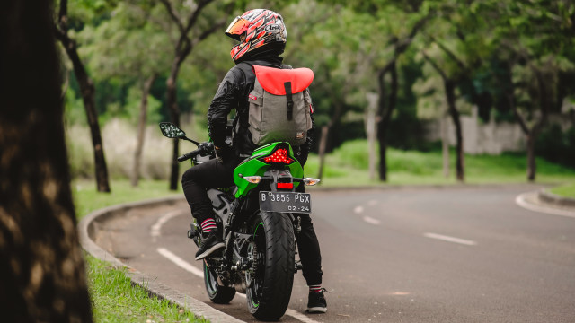 Foto: Kawasaki Ninja ZX-25R, Motor Sport 250 Cc Rasa 'Moge' (89897)