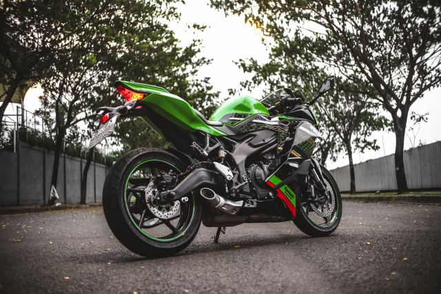 Foto: Kawasaki Ninja ZX-25R, Motor Sport 250 Cc Rasa 'Moge' (89912)