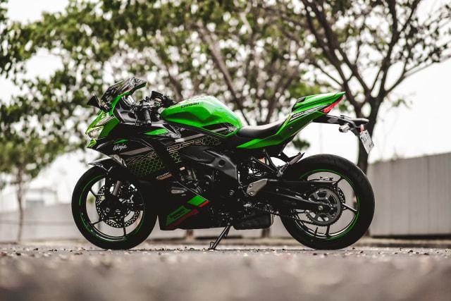 Foto: Kawasaki Ninja ZX-25R, Motor Sport 250 Cc Rasa 'Moge' (89913)