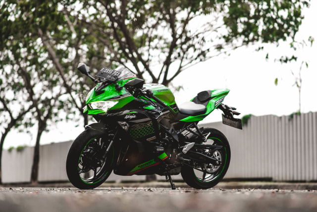 Foto: Kawasaki Ninja ZX-25R, Motor Sport 250 Cc Rasa 'Moge' (211621)