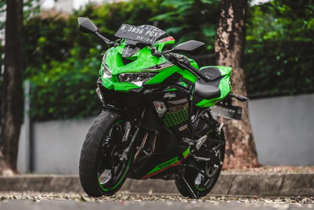 Foto: Kawasaki Ninja ZX-25R, Motor Sport 250 Cc Rasa 'Moge' (211606)