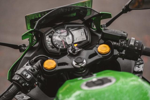 Sepekan bersama Kawasaki Ninja ZX-25R, Ini Plus-Minusnya!  (24003)