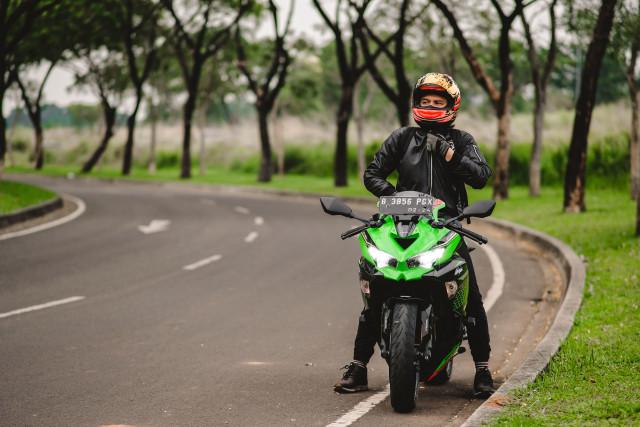 Foto: Kawasaki Ninja ZX-25R, Motor Sport 250 Cc Rasa 'Moge' (89916)