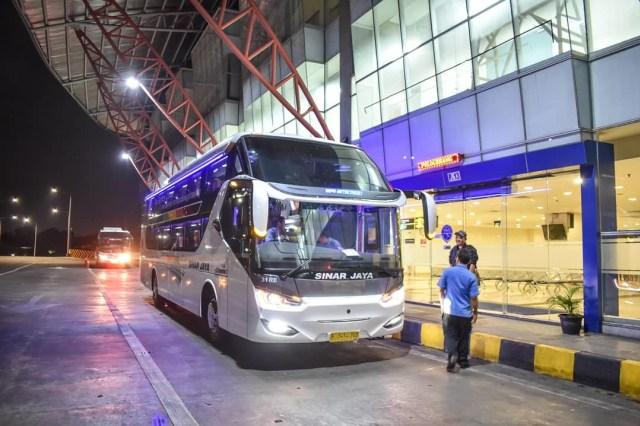 Berita Populer: Bus Suites Class Sinar Jaya; Uji Efisiensi BBM 2 Mobil Hybrid (127797)