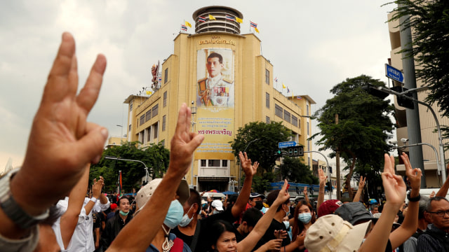 Demonstran Thailand Tetap Protes Raja meski Dilarang, Ini Alasannya (205121)