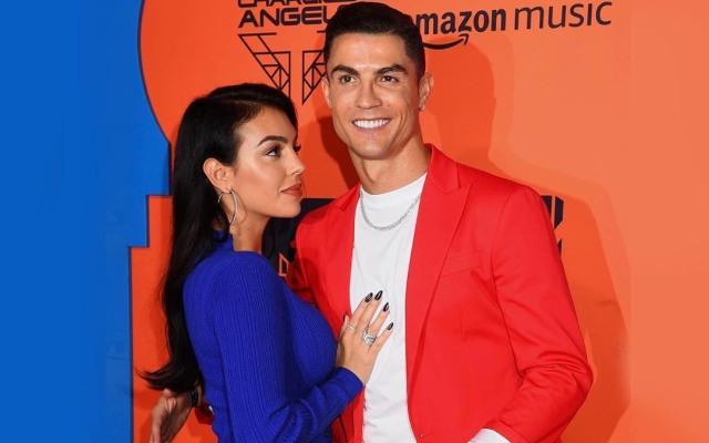 Cristiano Ronaldo Positif Corona, Sang Kekasih Beri Pesan Romantis & Menyentuh (74075)
