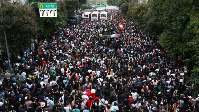 Demonstran Thailand Tetap Protes Raja meski Dilarang, Ini Alasannya (205124)