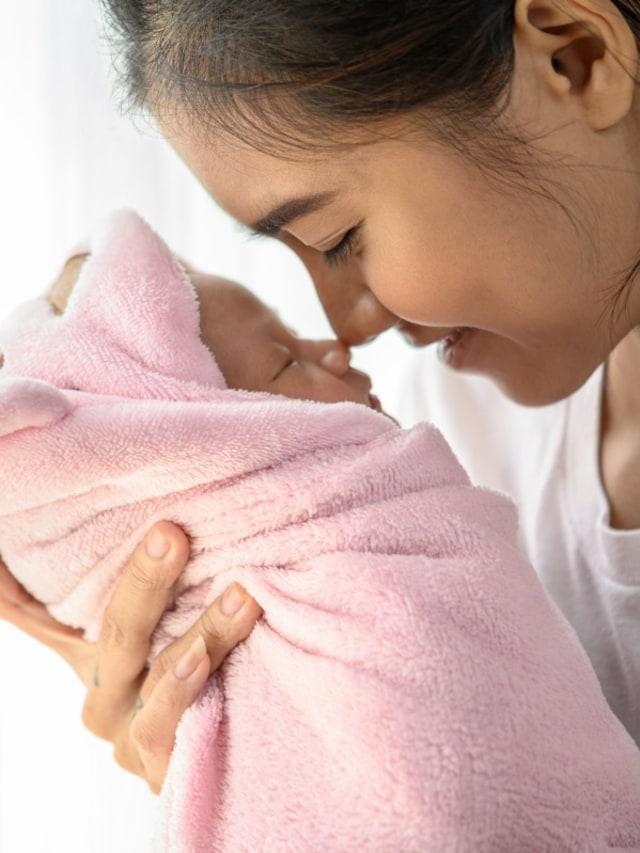 Menarik Hidung Bayi Supaya Mancung, Ampuh Enggak Sih?  (58190)